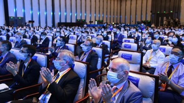 第二届跨国公司领导人青岛峰会圆满落幕